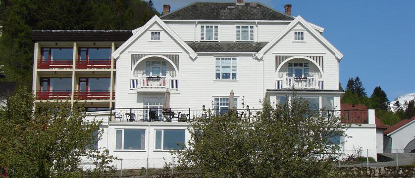 Midtnes Hotel, Balestrand, Norway - main building (white).jpg